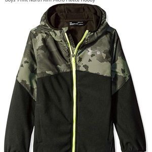 New UnderArmor Boys Print North Rim Fleece
